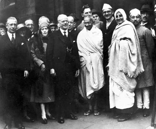 Gandhi_at_Darwen